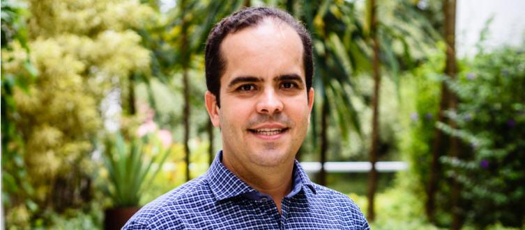 Guilherme de Almeida Prado topo